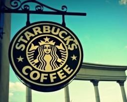 Starbucks va por vino, cerveza y tecnología